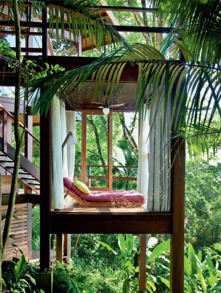 Dreamhouse_green_glass_tropical