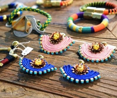 6.-Deze-gorgeous-juweeltjes-van-Holst+Lee-zullen-verkocht-worden-in-de-ByDanie-Designer-Vintage-Shop