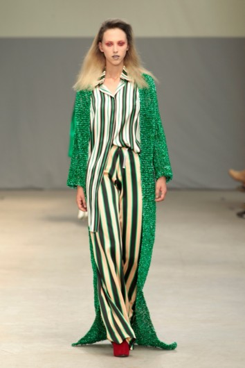 hilda-wijnhoud-artez-fashion-designer-runway-colorful-green