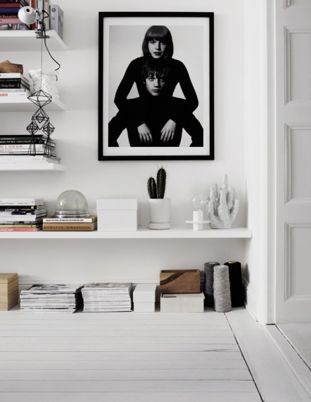 Therese-Sennerholt-interior-home-house-design-black-white