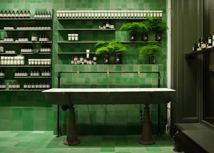 Aesop-store-by-Weiss-heiten_dezeen_ss_3