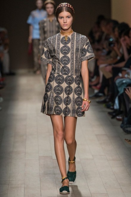 valentino-paris-fashion-week-ss14-pattern