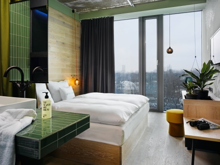 hotel-bikini-berlin-25hourhotels-design-hotels-5-KEC-arcitects-design-interior-restaurant-view