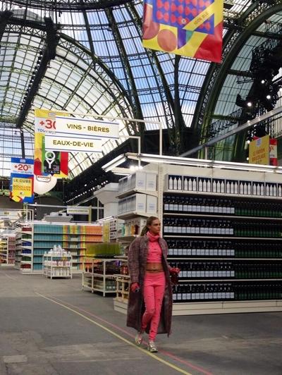 Cara-Delevingne-chanel-supermarkt-fashionshow-fashion-paris-week-2014