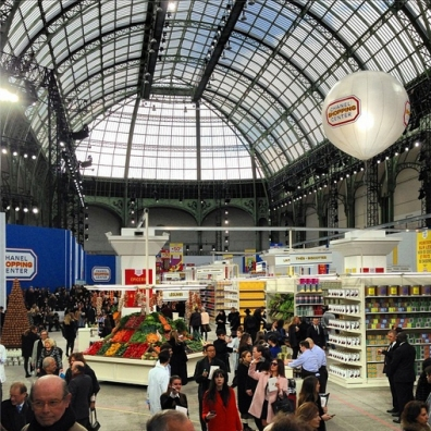 chanel-supermarkt-fashionshow-fashion-paris-week-2014-food