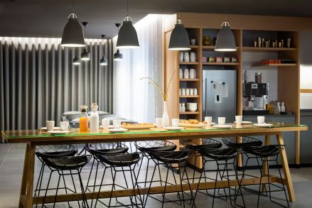 okko-hotel-interior-minimalistic-architecture-pastel-color-france-nantes-design-concept-1