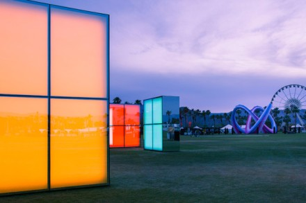 Reflection-Field-Coachella-Phillip-K-Smith-installation-architecture-design-mirror-led2