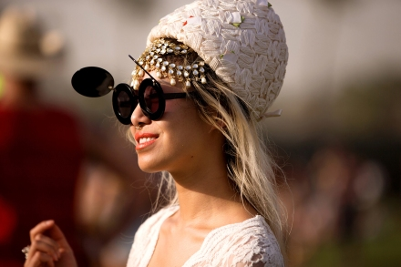 stylish-folks-rocking-coachella-festival-looks