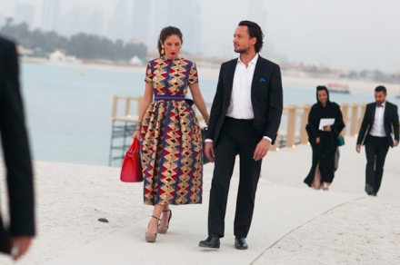 chanel-resort-cruise-2015-dubai-street-style-7