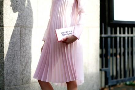 london-fashion-week-47-vogue-inspiration-streetstyle-wear-mode-trend-fall-winter-design-pink-fashion-is-dicipline