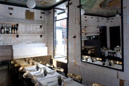 Anahi-paris-La-Jeune-Rue-photo-byAlexandre-and-Emilie-personaproduction-for-yatzer-interior-restaurant-design-gold-1