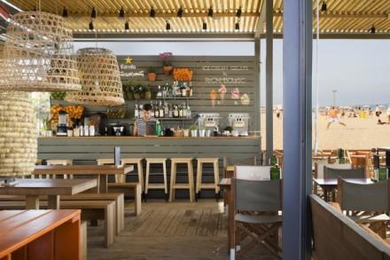 La-Guingueta-Barcelona-beach-bar-meritxellarjalaguer-interior-summer-food-tapas-sandra-tarruella-fresh-design-02