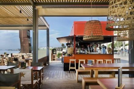 La-Guingueta-Barcelona-beach-bar-meritxellarjalaguer-interior-summer-food-tapas-sandra-tarruella-fresh-design-04