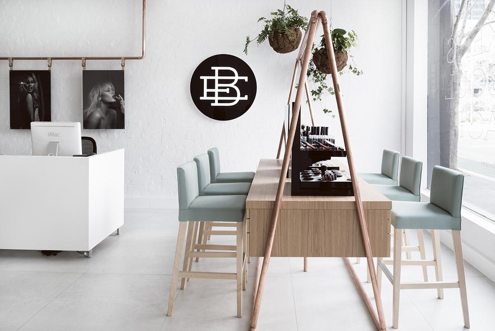 Floors for a unique beauty salon joy studio design for Beauty salon designs for interior