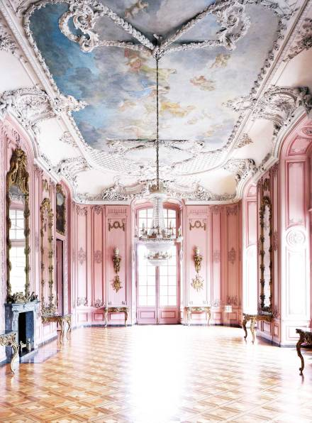 Candida-hofer-photography-interior-Benrather-Schloss-Düsseldorf-I-2011