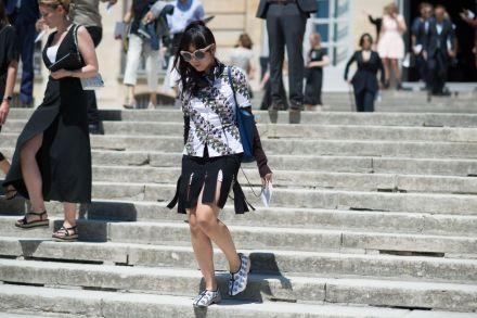 elle-paris-haute-couture-15-streets-style-day-2-27