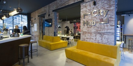 Cityhub-amsterdam-hostel-hotel-travel-trendy-cabins-capsules-city-experience