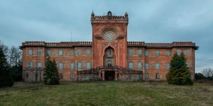 Tuscany-Martino-Zegwaard-castello-di-sammezzano-art-photography-florence-abandoned-castle