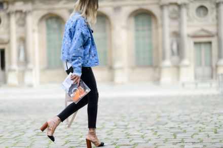 Streetstyle-denim_Paris-fashion-week-aw16-streetwear-jeans-blue-10