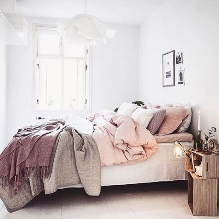 soft-pink-interior-design-trendy-photography